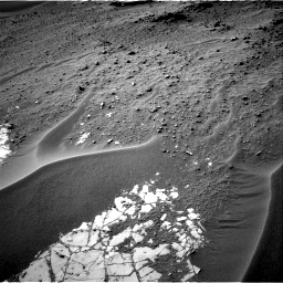 Nasa's Mars rover Curiosity acquired this image using its Right Navigation Camera on Sol 807, at drive 1348, site number 44