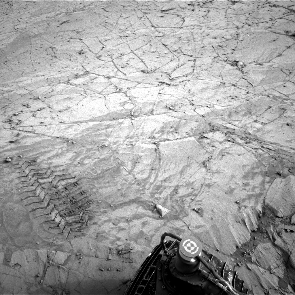 Nasa's Mars rover Curiosity acquired this image using its Left Navigation Camera on Sol 812, at drive 1546, site number 44