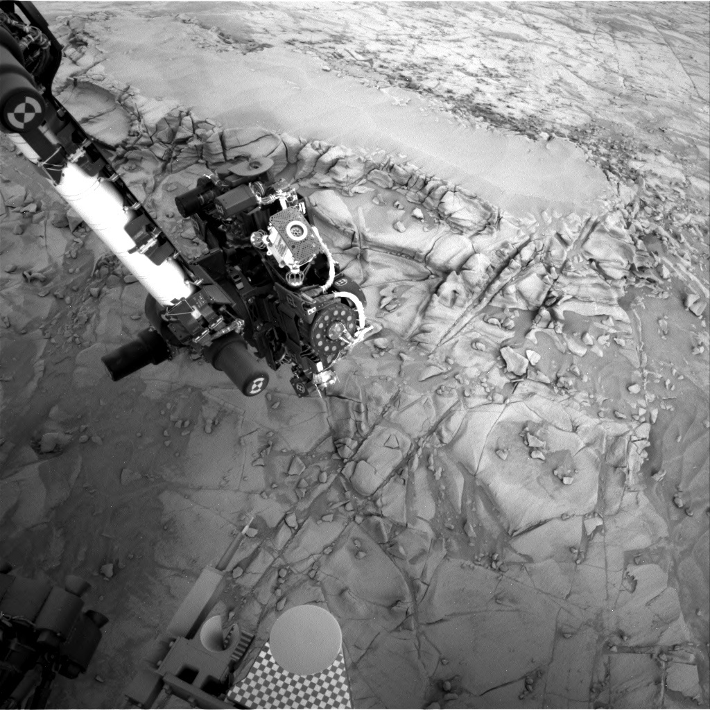 NASA's Mars rover Curiosity acquired this image using its Right Navigation Cameras (Navcams) on Sol 813