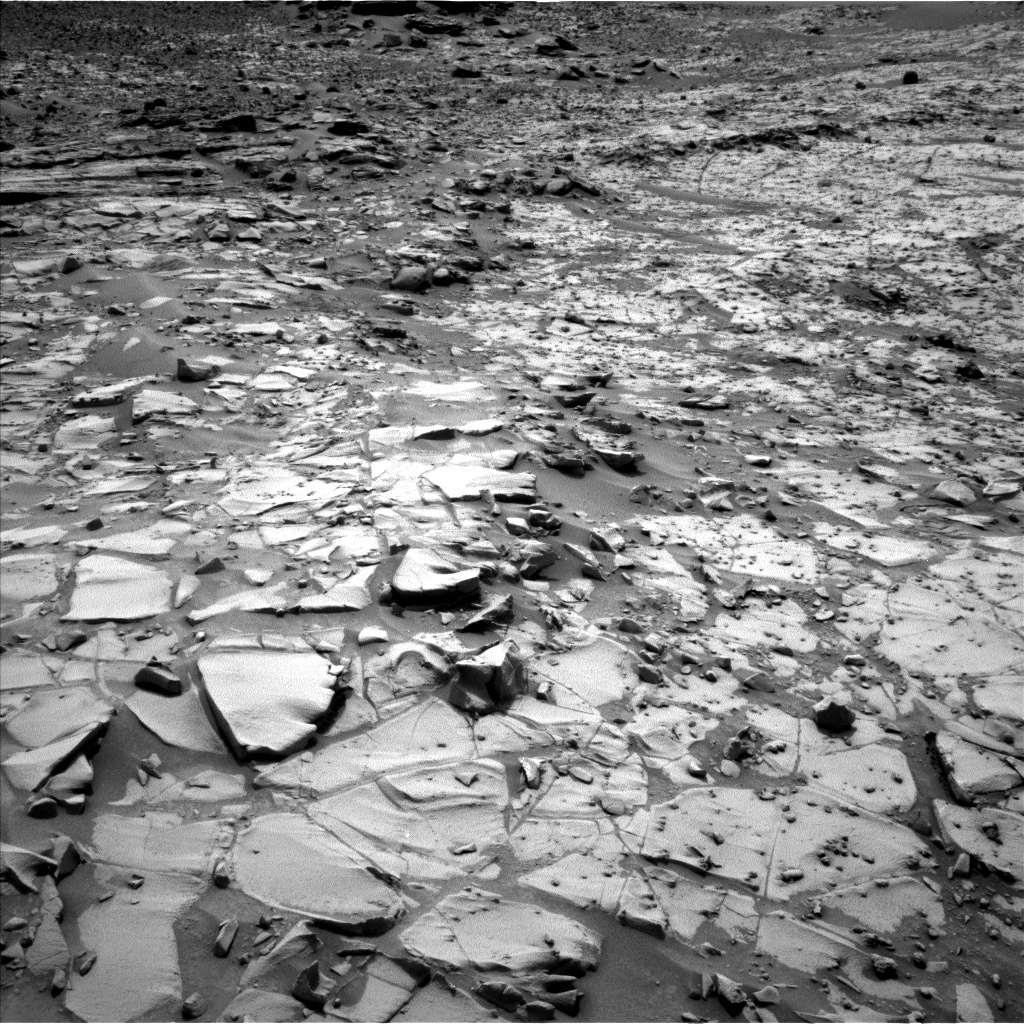 Nasa's Mars rover Curiosity acquired this image using its Left Navigation Camera on Sol 817, at drive 1828, site number 44