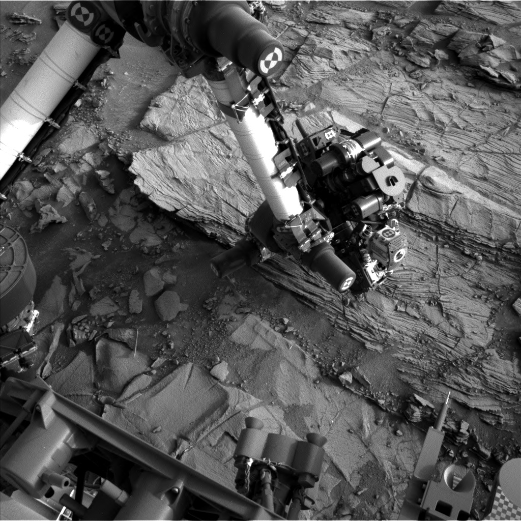 Nasa's Mars rover Curiosity acquired this image using its Left Navigation Camera on Sol 830, at drive 2062, site number 44
