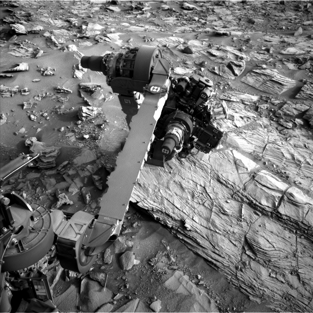 Nasa's Mars rover Curiosity acquired this image using its Left Navigation Camera on Sol 833, at drive 2062, site number 44
