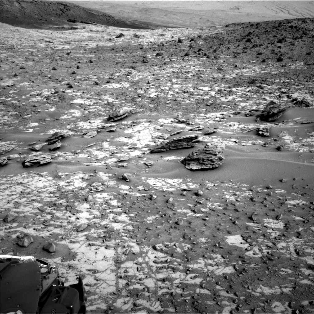 Nasa's Mars rover Curiosity acquired this image using its Left Navigation Camera on Sol 835, at drive 2336, site number 44