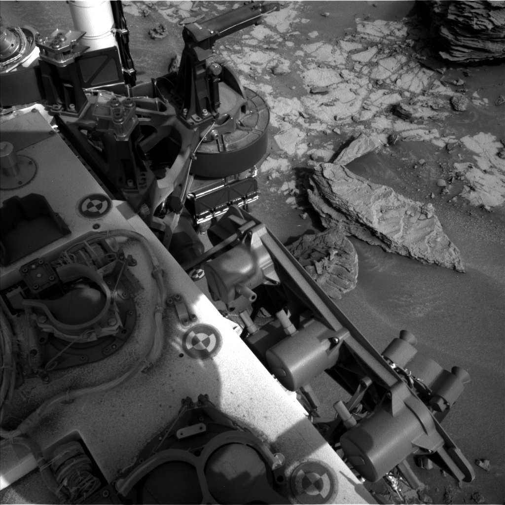 Nasa's Mars rover Curiosity acquired this image using its Left Navigation Camera on Sol 842, at drive 2414, site number 44
