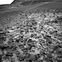 NASA's Mars rover Curiosity acquired this image using its Right Navigation Cameras (Navcams) on Sol 842