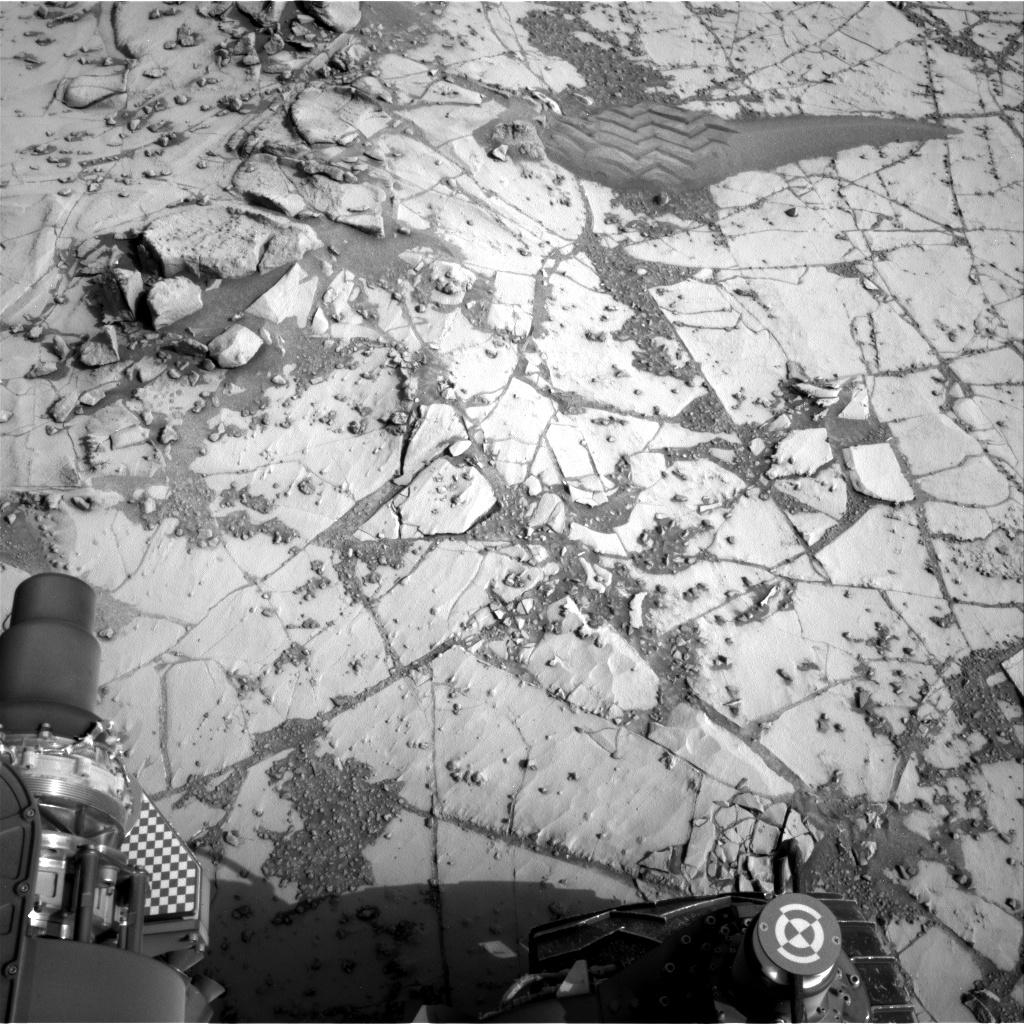 Nasa's Mars rover Curiosity acquired this image using its Right Navigation Camera on Sol 864, at drive 0, site number 45