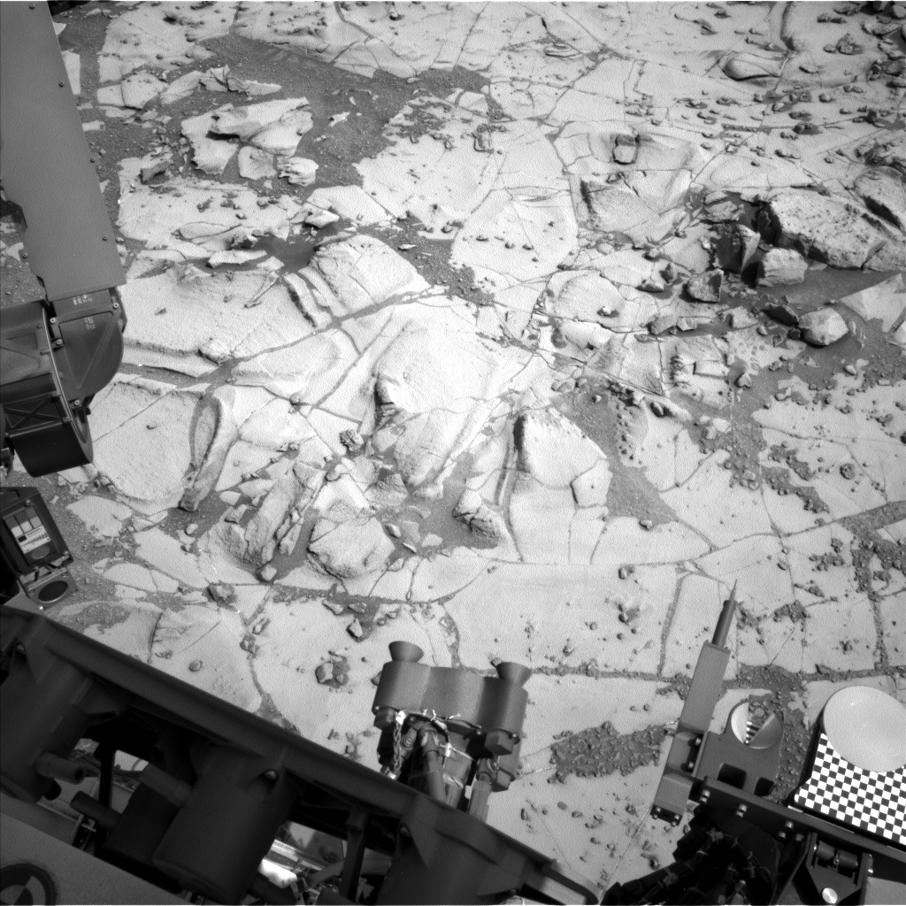 Nasa's Mars rover Curiosity acquired this image using its Left Navigation Camera on Sol 867, at drive 0, site number 45