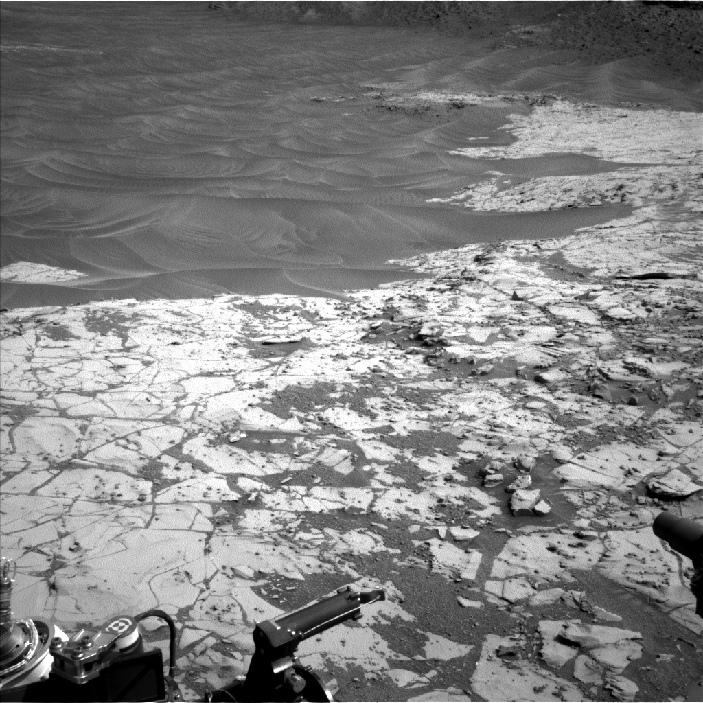 Nasa's Mars rover Curiosity acquired this image using its Left Navigation Camera on Sol 872, at drive 0, site number 45