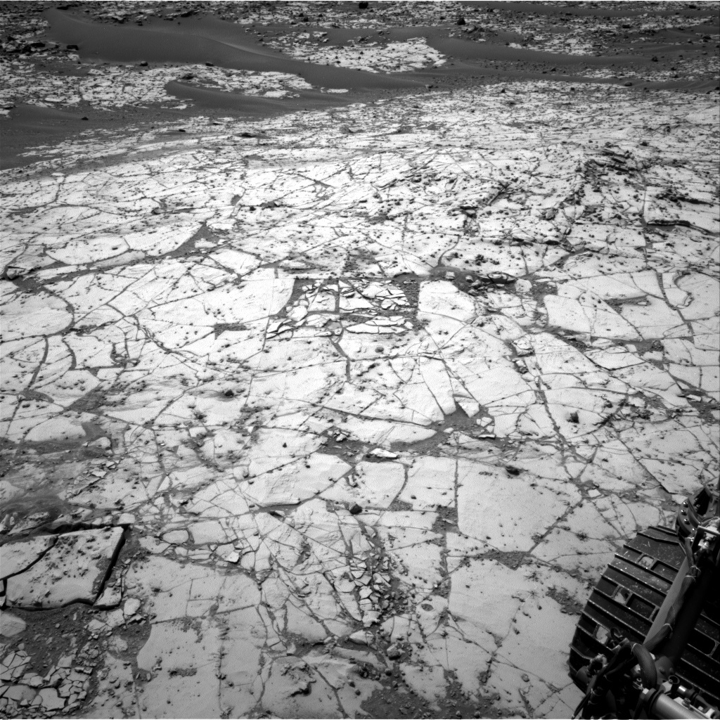 NASA's Mars rover Curiosity acquired this image using its Right Navigation Cameras (Navcams) on Sol 872