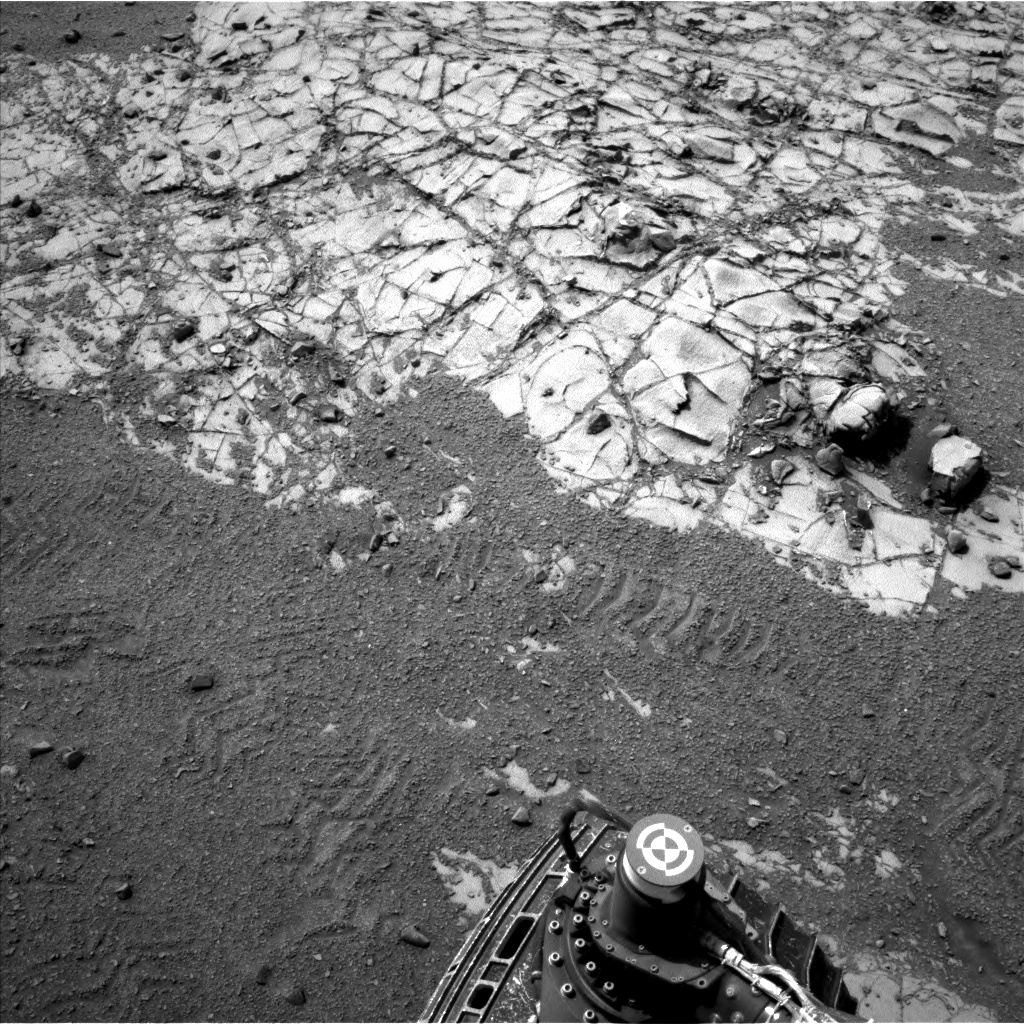 NASA's Mars rover Curiosity acquired this image using its Left Navigation Camera (Navcams) on Sol 901