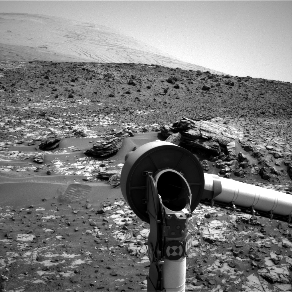 Nasa's Mars rover Curiosity acquired this image using its Right Navigation Camera on Sol 917, at drive 450, site number 45