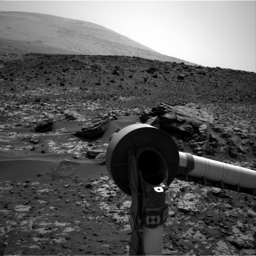 Nasa's Mars rover Curiosity acquired this image using its Right Navigation Camera on Sol 918, at drive 450, site number 45