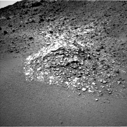 Nasa's Mars rover Curiosity acquired this image using its Left Navigation Camera on Sol 923, at drive 540, site number 45