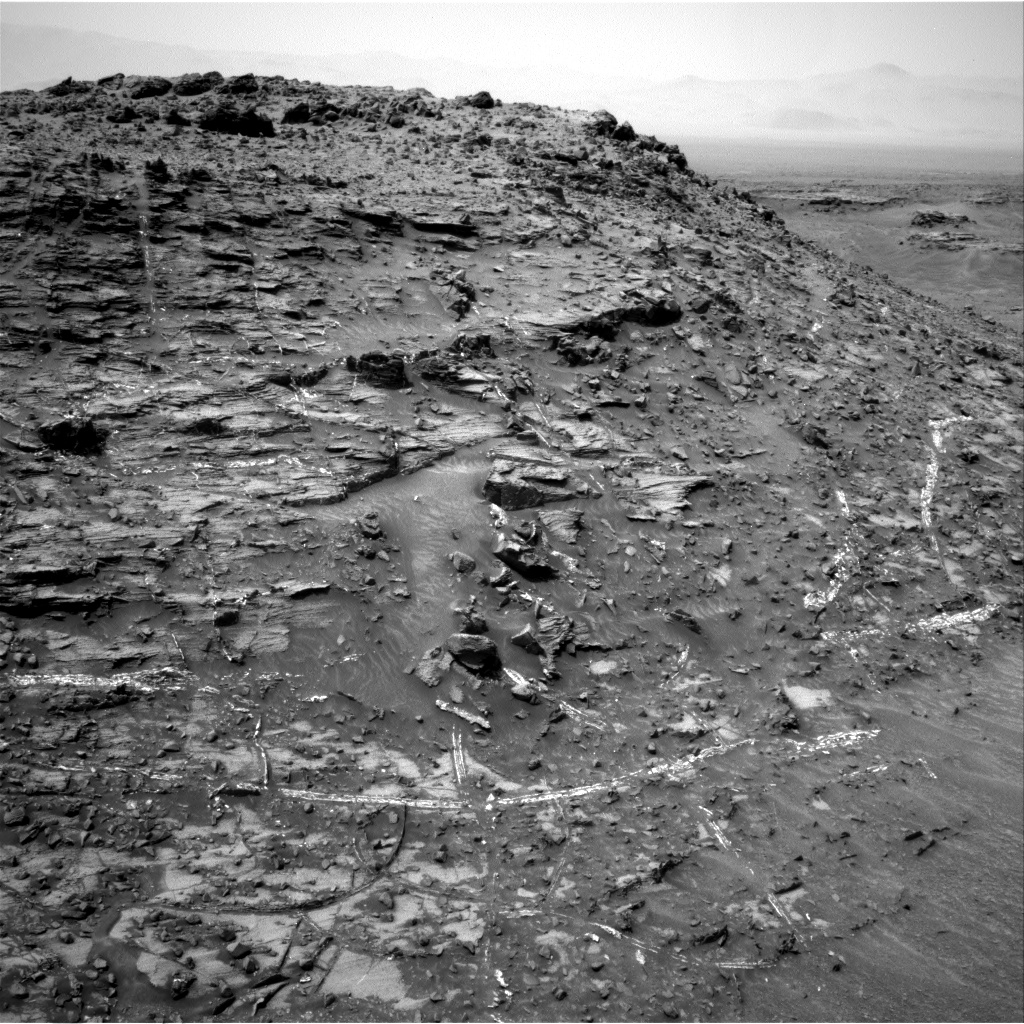 Nasa's Mars rover Curiosity acquired this image using its Right Navigation Camera on Sol 949, at drive 1276, site number 45