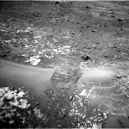 Nasa's Mars rover Curiosity acquired this image using its Left Navigation Camera on Sol 981, at drive 1236, site number 47