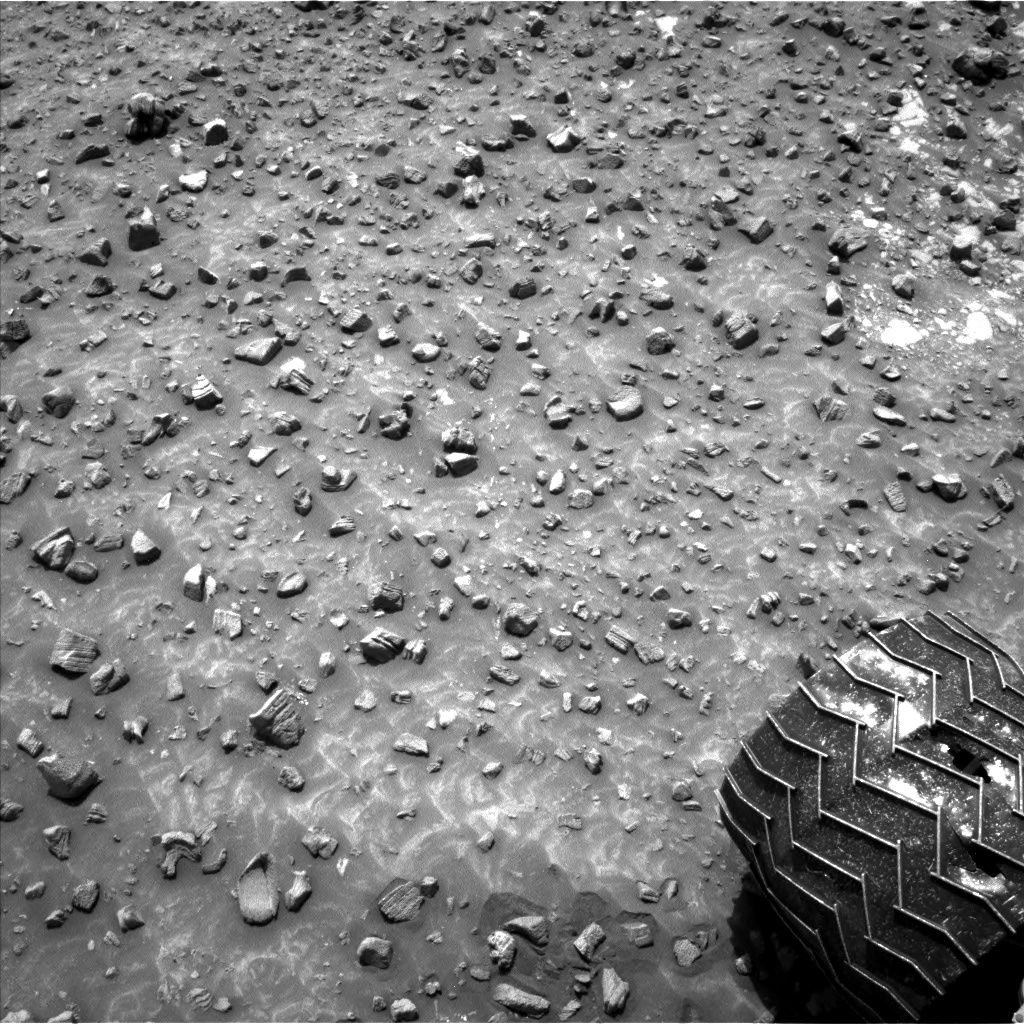 Nasa's Mars rover Curiosity acquired this image using its Left Navigation Camera on Sol 986, at drive 82, site number 48