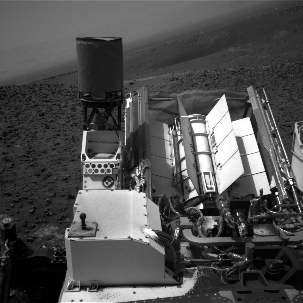 Nasa's Mars rover Curiosity acquired this image using its Right Navigation Camera on Sol 986, at drive 82, site number 48