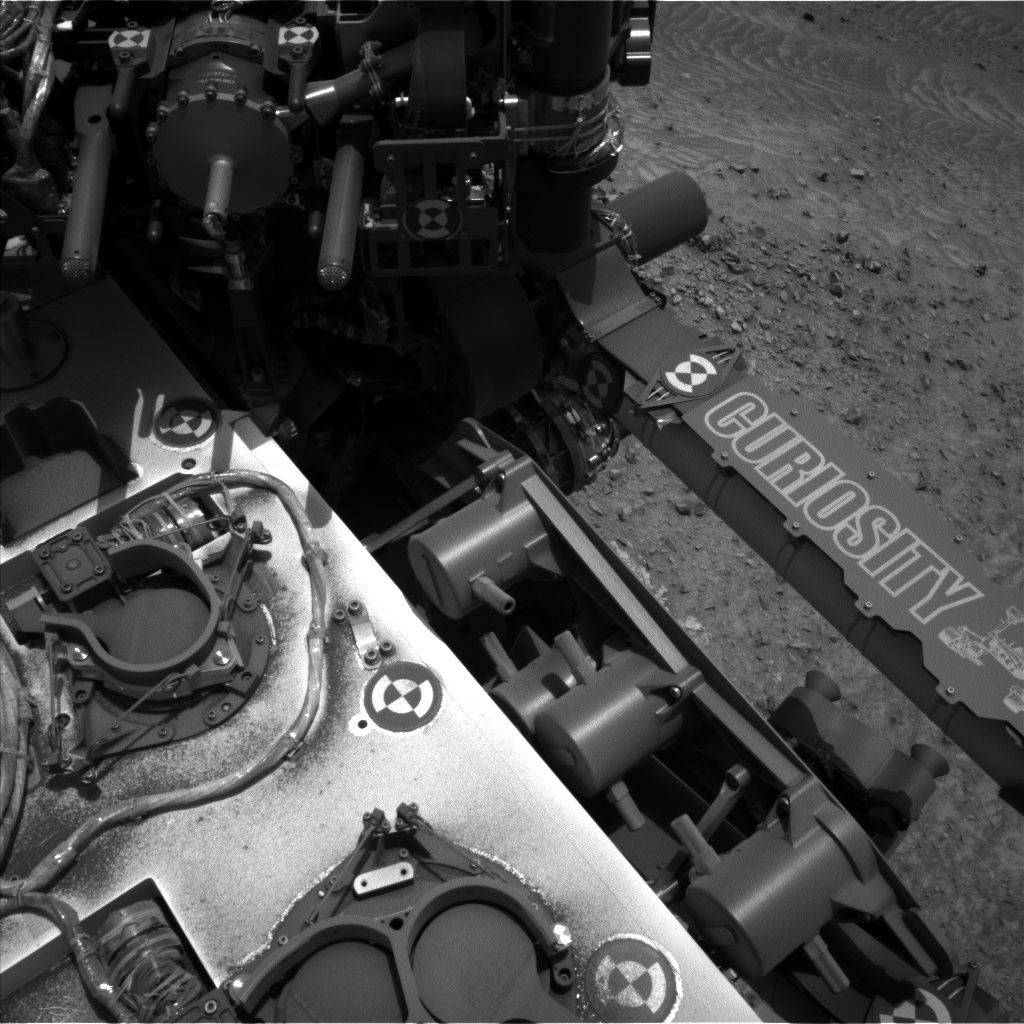 Nasa's Mars rover Curiosity acquired this image using its Left Navigation Camera on Sol 992, at drive 1194, site number 48