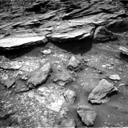 Nasa's Mars rover Curiosity acquired this image using its Left Navigation Camera on Sol 995, at drive 1500, site number 48