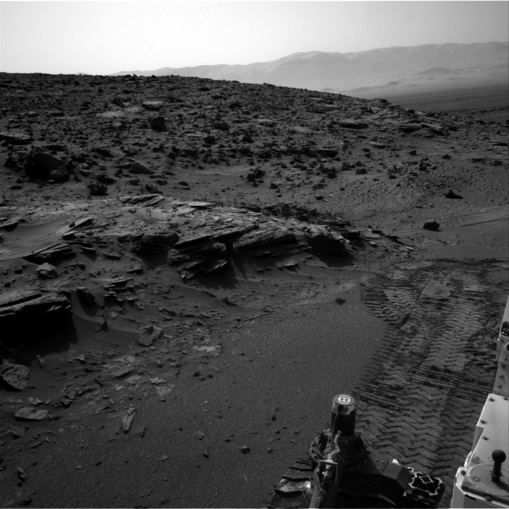 NASA's Mars rover Curiosity acquired this image using its Right Navigation Cameras (Navcams) on Sol 1046