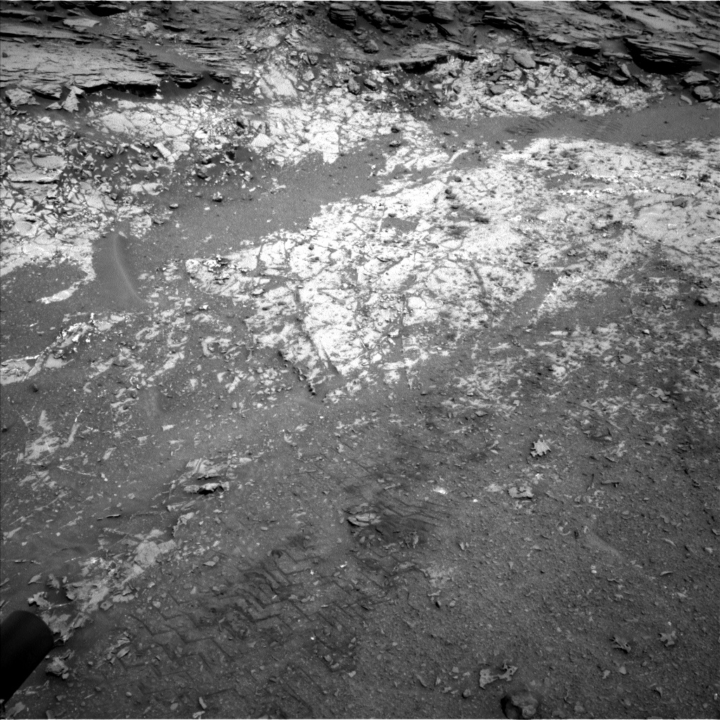 Nasa's Mars rover Curiosity acquired this image using its Left Navigation Camera on Sol 1067, at drive 2896, site number 48