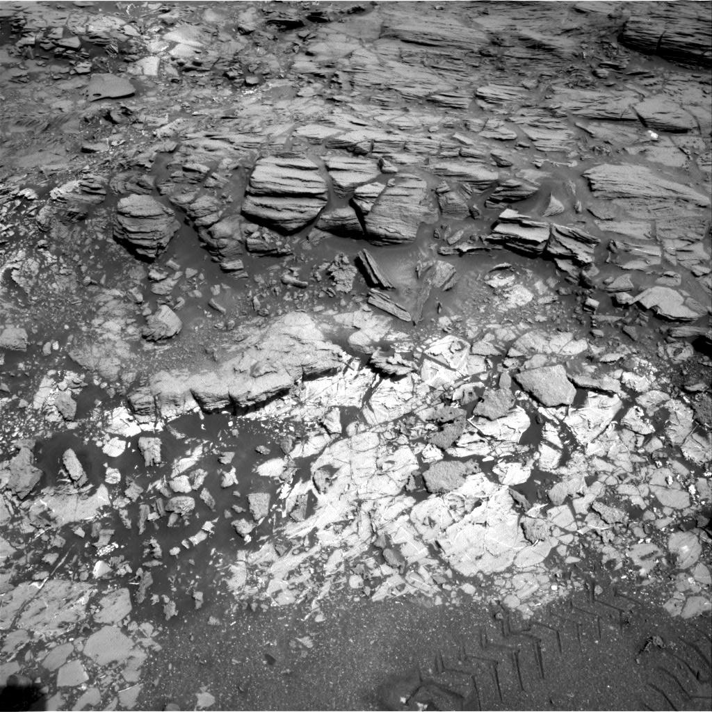 Nasa's Mars rover Curiosity acquired this image using its Right Navigation Camera on Sol 1067, at drive 0, site number 49