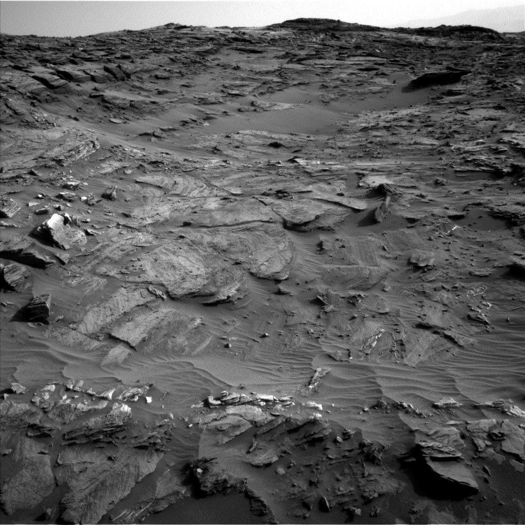 Nasa's Mars rover Curiosity acquired this image using its Left Navigation Camera on Sol 1085, at drive 1798, site number 49