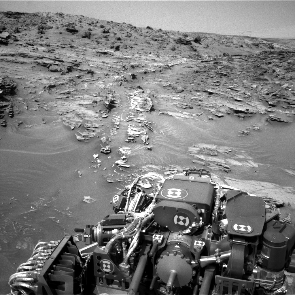 Nasa's Mars rover Curiosity acquired this image using its Left Navigation Camera on Sol 1087, at drive 1876, site number 49