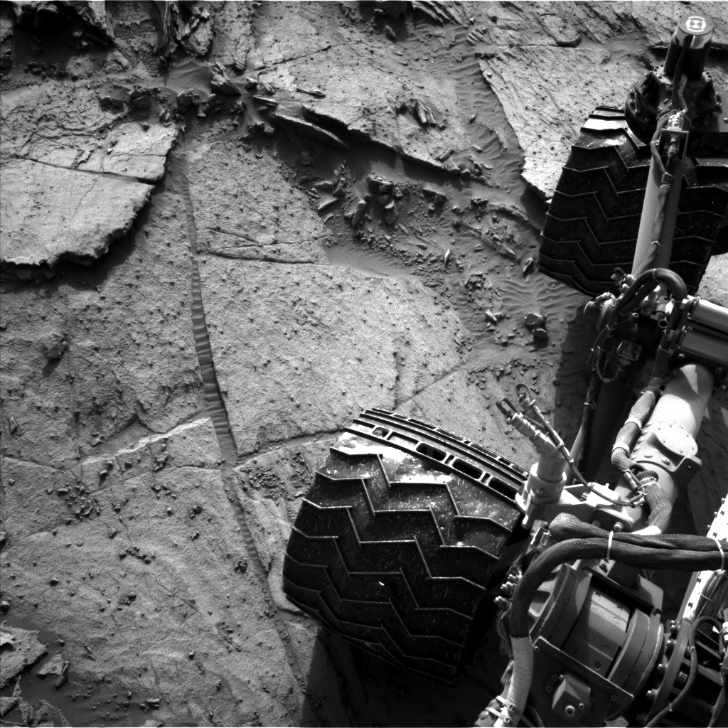 Nasa's Mars rover Curiosity acquired this image using its Left Navigation Camera on Sol 1112, at drive 592, site number 50