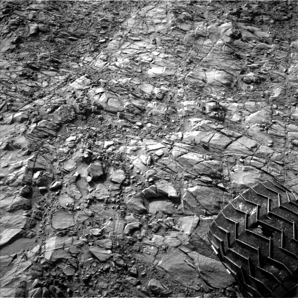 Nasa's Mars rover Curiosity acquired this image using its Left Navigation Camera on Sol 1153, at drive 1624, site number 50