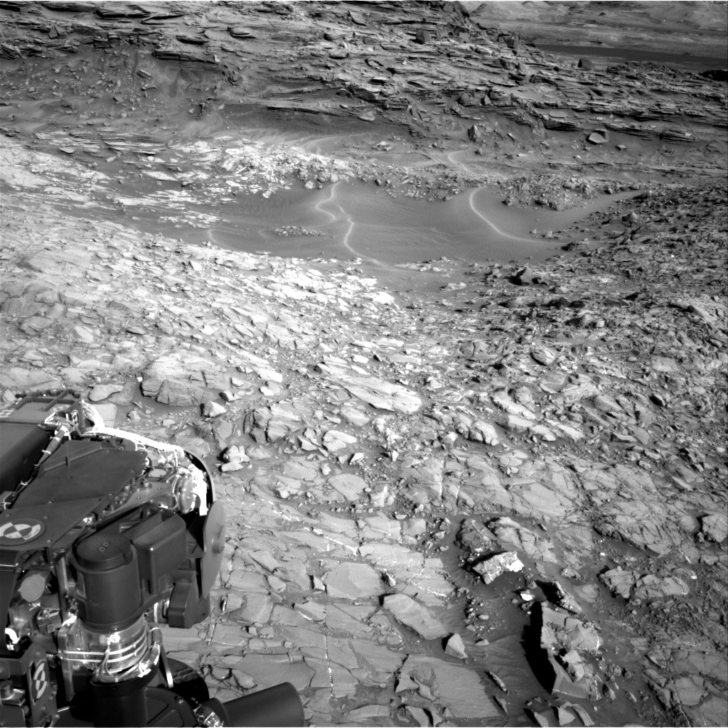 NASA's Mars rover Curiosity acquired this image using its Right Navigation Cameras (Navcams) on Sol 1153