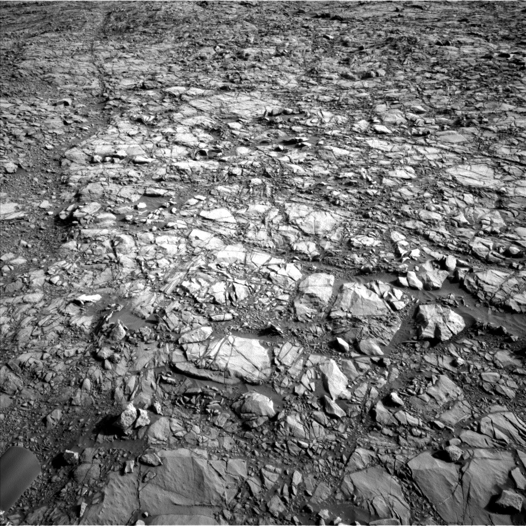 Nasa's Mars rover Curiosity acquired this image using its Left Navigation Camera on Sol 1160, at drive 2744, site number 50