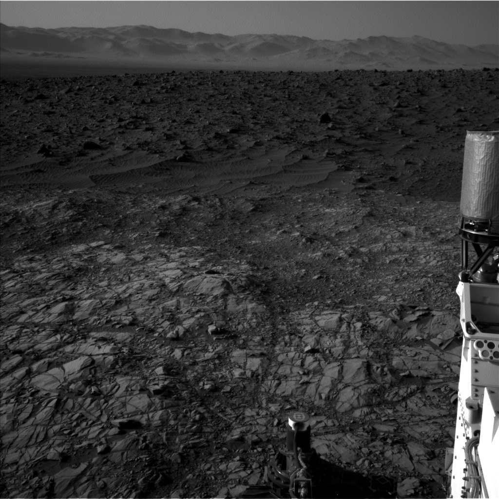 Nasa's Mars rover Curiosity acquired this image using its Left Navigation Camera on Sol 1160, at drive 2772, site number 50