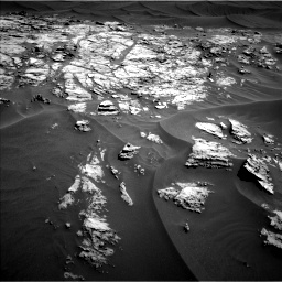Nasa's Mars rover Curiosity acquired this image using its Left Navigation Camera on Sol 1181, at drive 1270, site number 51