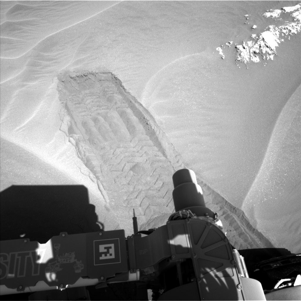 Nasa's Mars rover Curiosity acquired this image using its Left Navigation Camera on Sol 1181, at drive 1298, site number 51