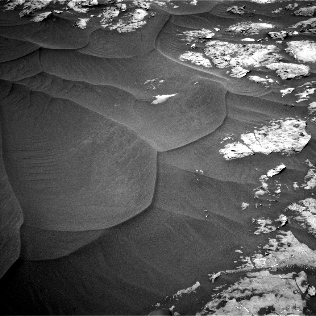 Nasa's Mars rover Curiosity acquired this image using its Left Navigation Camera on Sol 1185, at drive 1502, site number 51