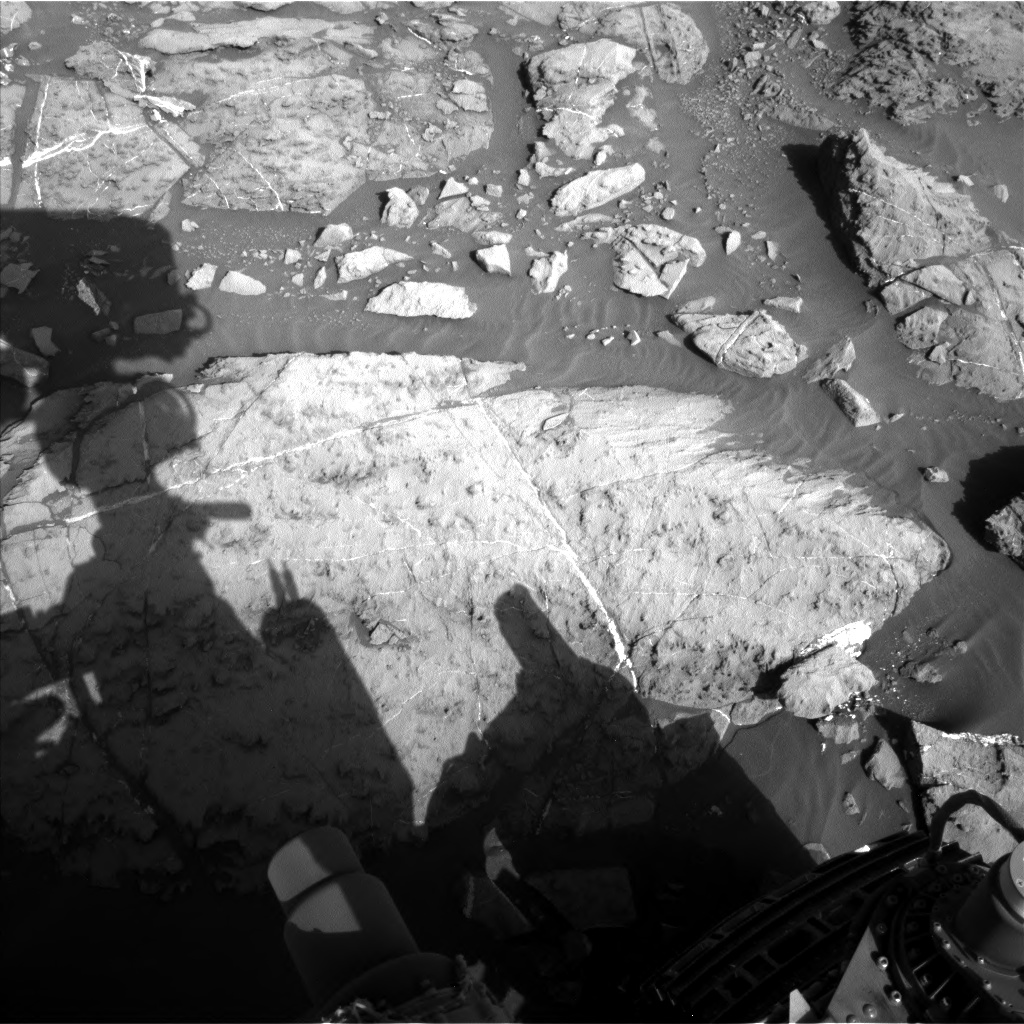 Nasa's Mars rover Curiosity acquired this image using its Left Navigation Camera on Sol 1185, at drive 1800, site number 51