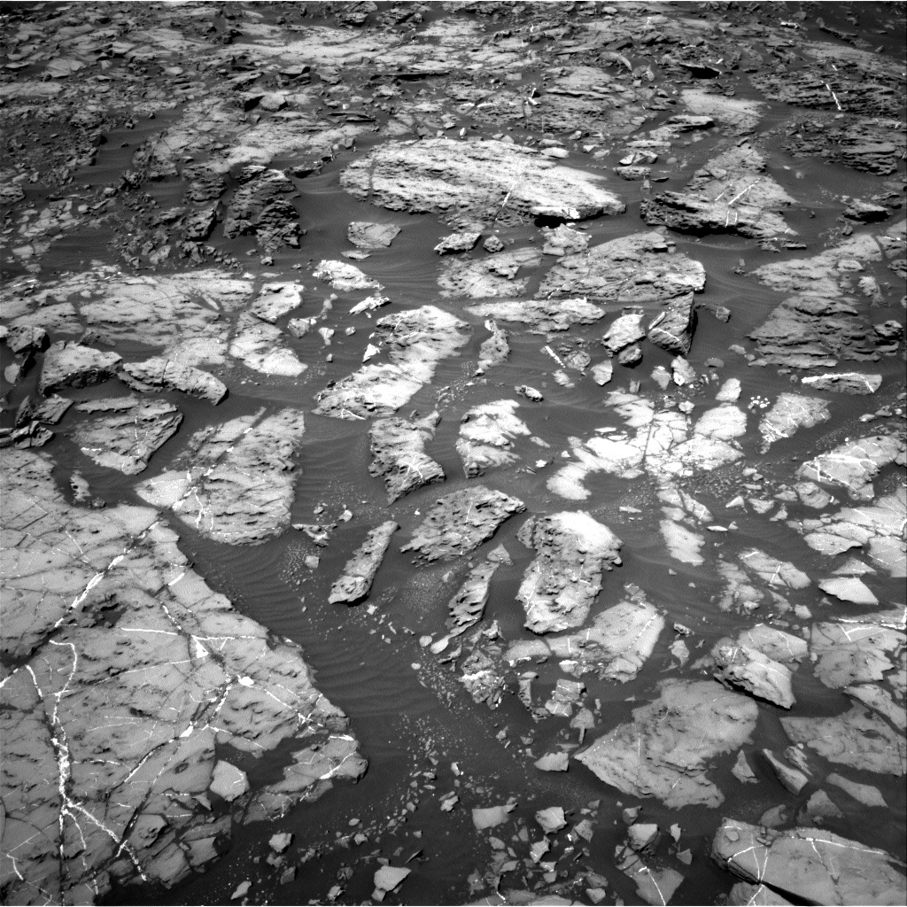 Nasa's Mars rover Curiosity acquired this image using its Right Navigation Camera on Sol 1185, at drive 1754, site number 51