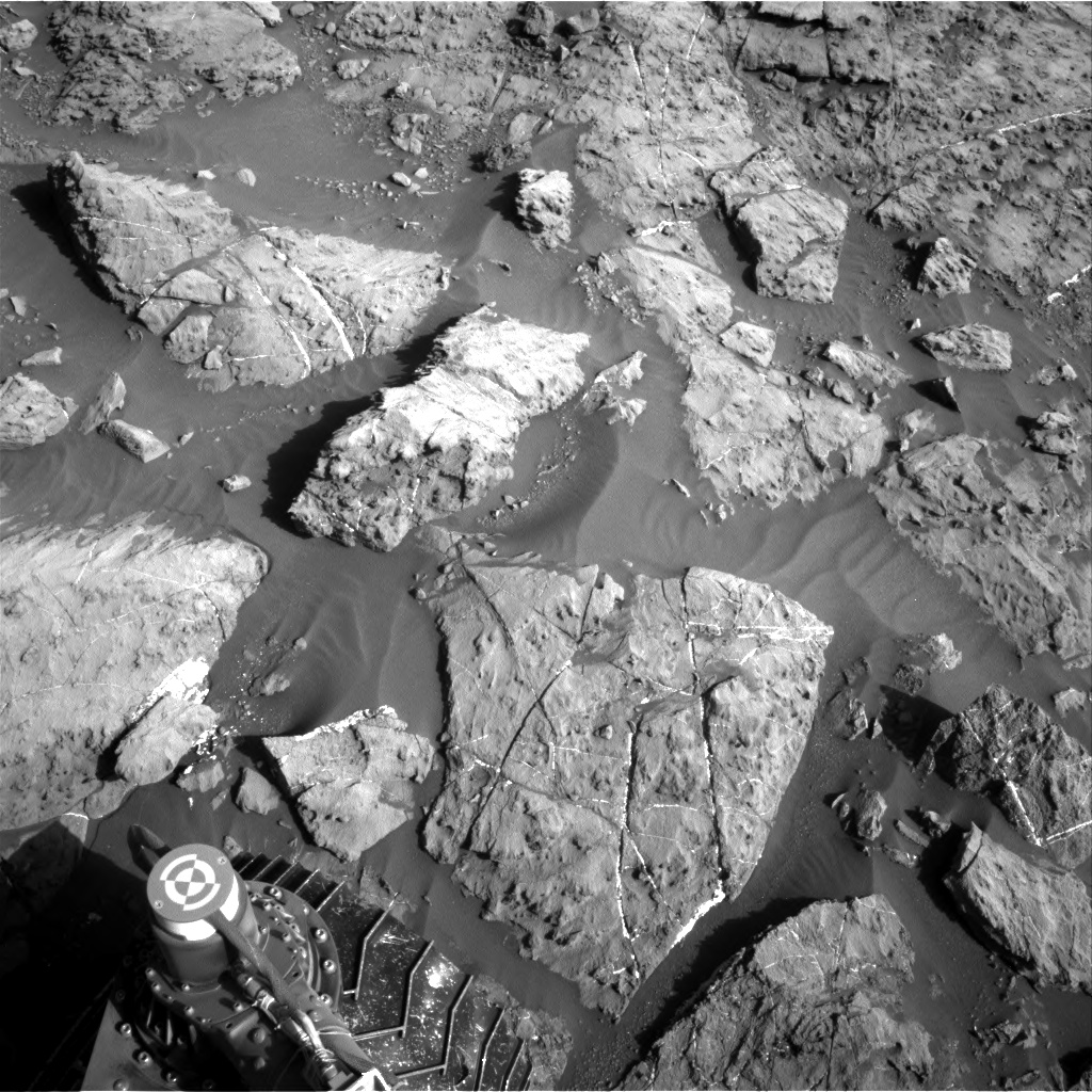 Nasa's Mars rover Curiosity acquired this image using its Right Navigation Camera on Sol 1185, at drive 1800, site number 51