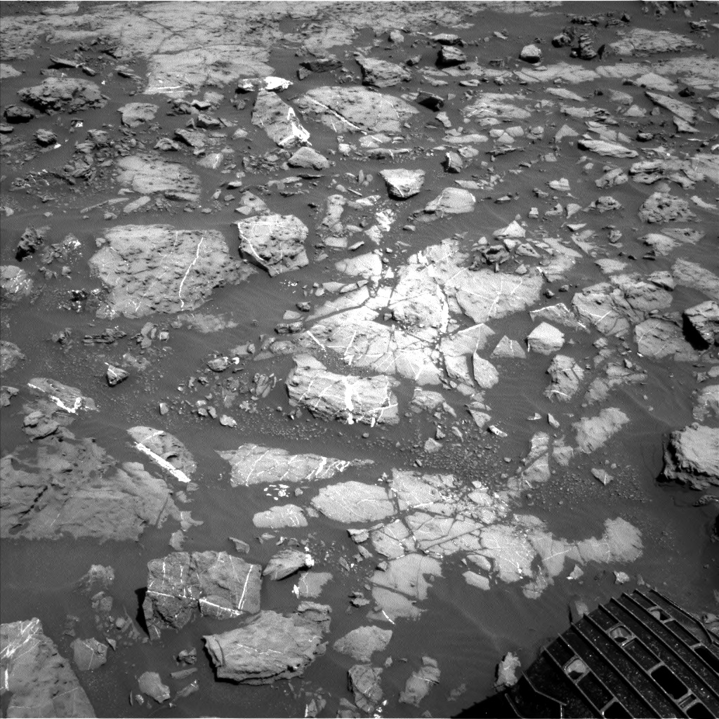 Nasa's Mars rover Curiosity acquired this image using its Left Navigation Camera on Sol 1187, at drive 1800, site number 51