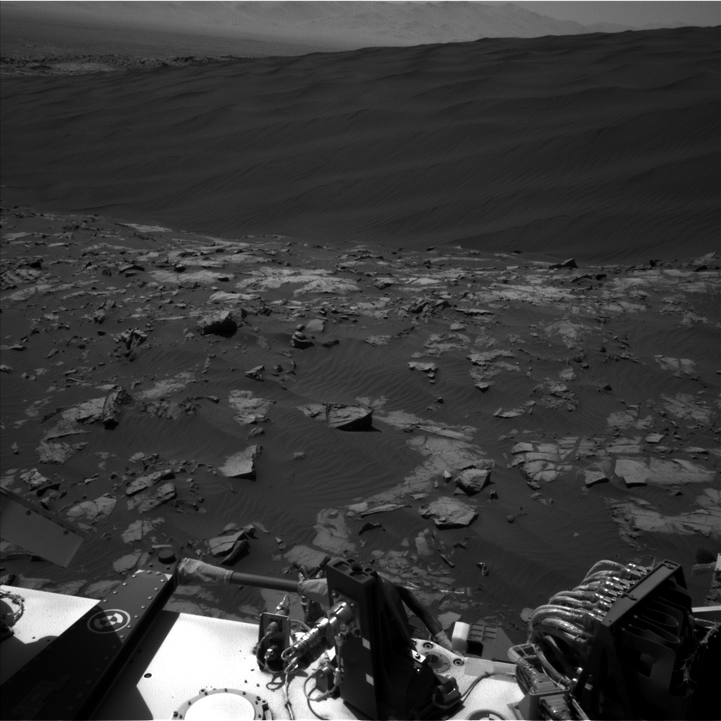 Nasa's Mars rover Curiosity acquired this image using its Left Navigation Camera on Sol 1192, at drive 2238, site number 51