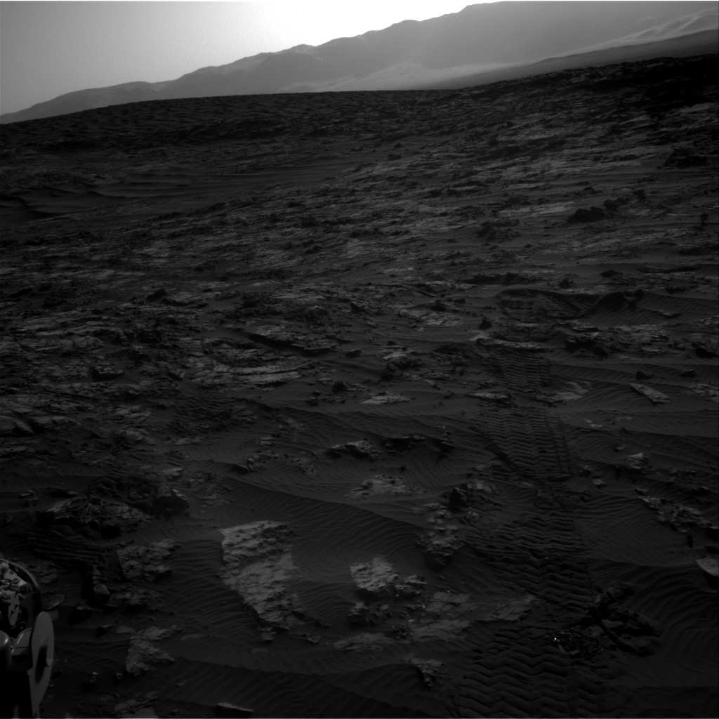 Nasa's Mars rover Curiosity acquired this image using its Right Navigation Camera on Sol 1194, at drive 2704, site number 51