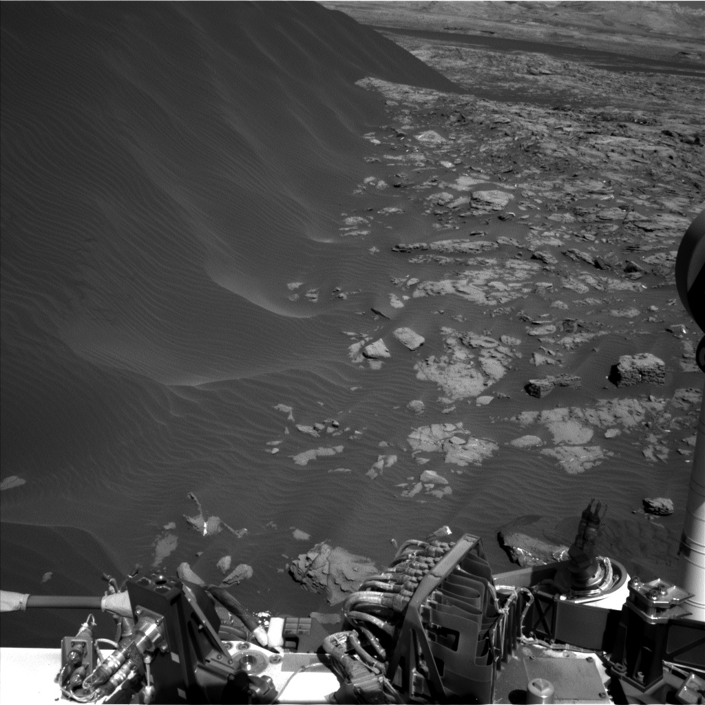 Nasa's Mars rover Curiosity acquired this image using its Left Navigation Camera on Sol 1247, at drive 1370, site number 52
