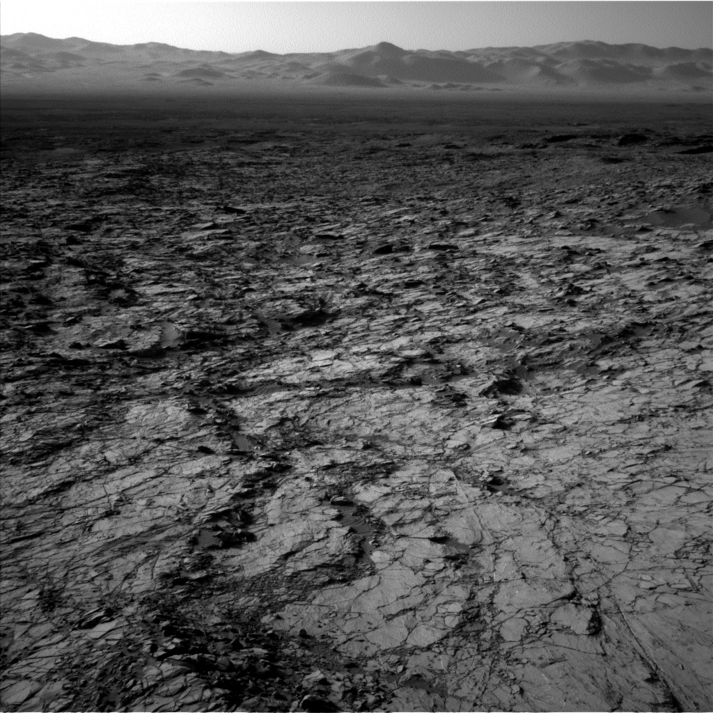 Nasa's Mars rover Curiosity acquired this image using its Left Navigation Camera on Sol 1260, at drive 2772, site number 52
