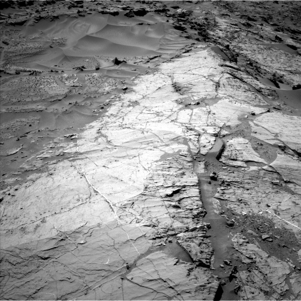 Nasa's Mars rover Curiosity acquired this image using its Left Navigation Camera on Sol 1276, at drive 1140, site number 53
