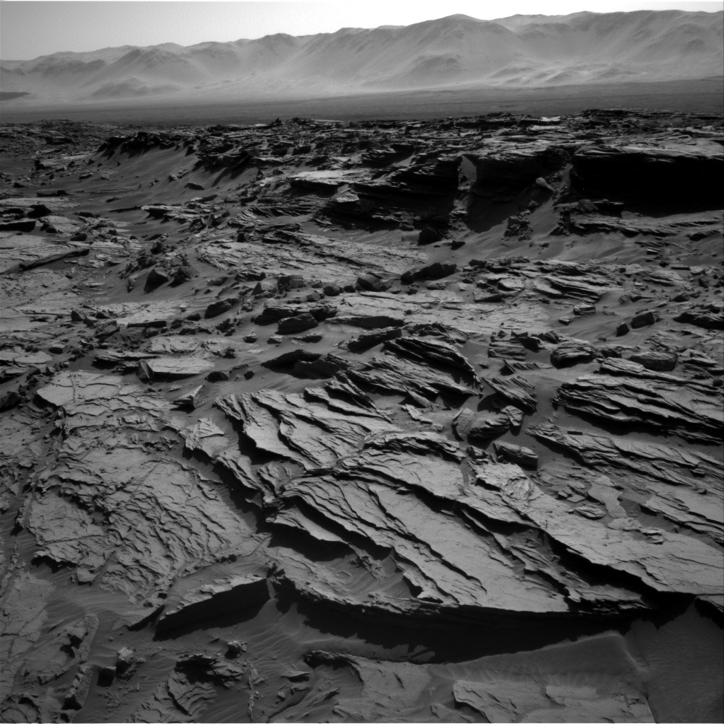 NASA's Mars rover Curiosity acquired this image using its Right Navigation Cameras (Navcams) on Sol 1284