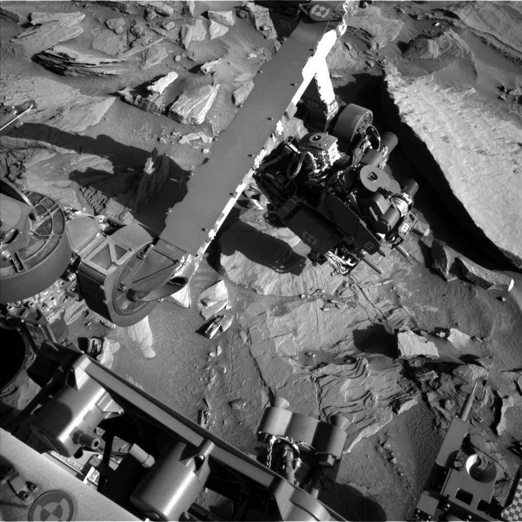 Nasa's Mars rover Curiosity acquired this image using its Left Navigation Camera on Sol 1287, at drive 1994, site number 53