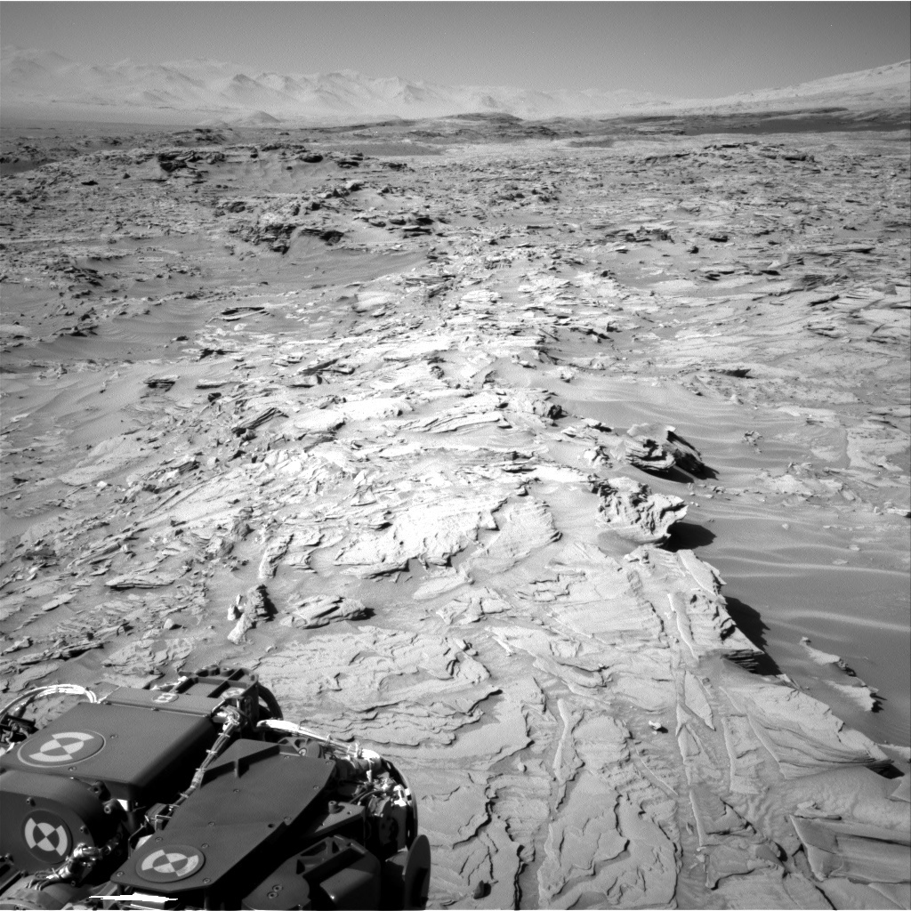 NASA's Mars rover Curiosity acquired this image using its Right Navigation Cameras (Navcams) on Sol 1289