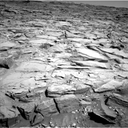 Nasa's Mars rover Curiosity acquired this image using its Left Navigation Camera on Sol 1290, at drive 2204, site number 53