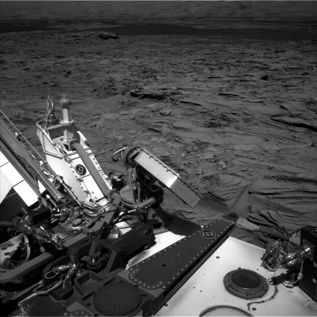 Nasa's Mars rover Curiosity acquired this image using its Left Navigation Camera on Sol 1292, at drive 2406, site number 53